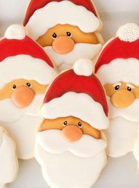 Santa Cookies via www.thebearfootbaker.com