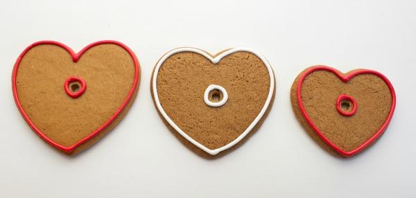 How to make live laugh love cookies via thebearfootbaker.com