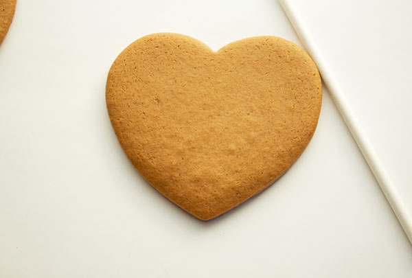 Simple Live Laugh Love Cookies with www.thebearfootbaker.com