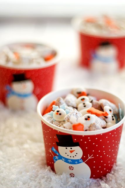 Snowman Puppy Chow by thebearfootbaker.com