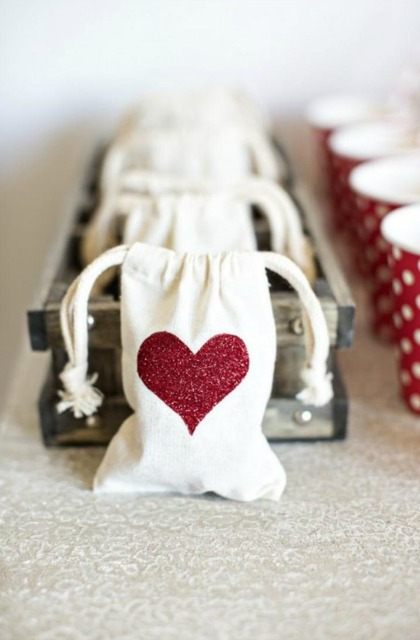 20 Valentine's Day Treats You can Make via the bearfootbaker.com