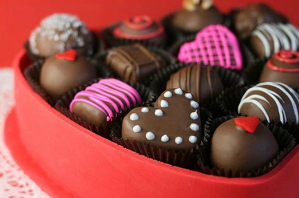 20 Valentine's Day Treats to Make via the bearfootbaker.com