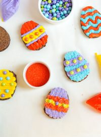 Easter Egg Brownies via www.thebearfootbaker.com