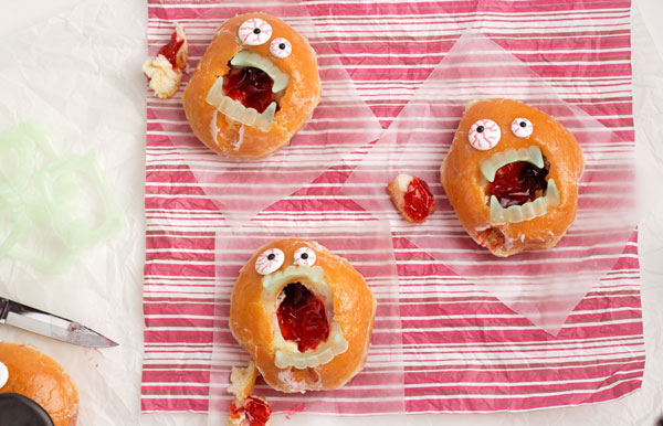 Zombie Donuts by www.thebearfootbaker.com
