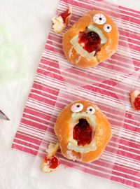 Zombie Donuts for Valentine's Day www.thebearfootbaker.com