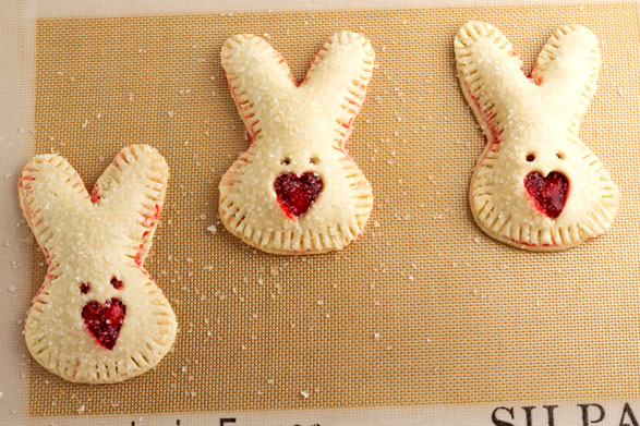 Hand Pies in Cute Bunny Shapes at www.thebearfootbaker.com
