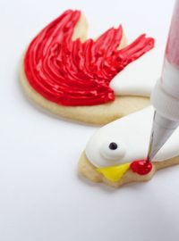 Rooster-Cookies-Decorated-Sugar-Cookies-with-www.thebearfootbaker.com