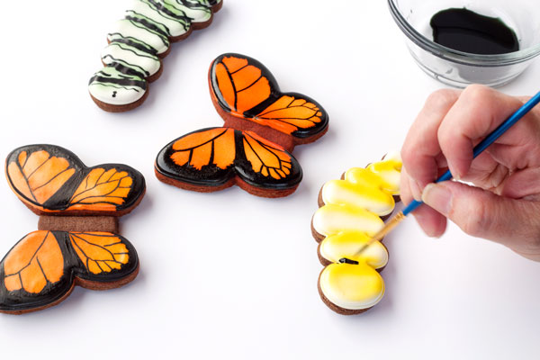 Easy Butterfly Cookies Decorated with Royal Icing-Tutorial with thebearfootbaker.com
