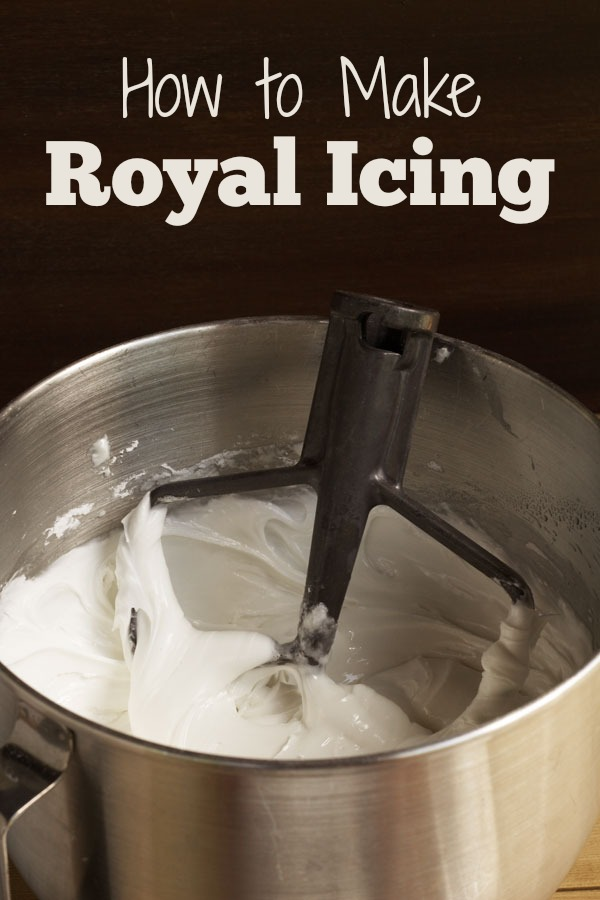 How-to-Make-Royal-Icing-A-Quick-Tip-www.thebearfootbaker.com