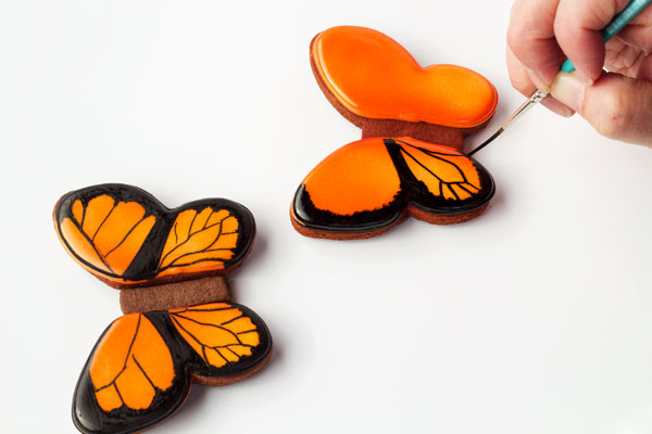Simple Butterfly Cookie Tutorial www.thebearfootbaker.com