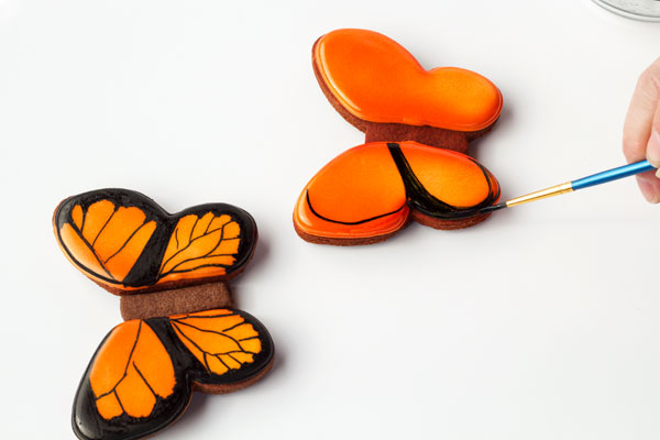 Simple butterfly cookies - cut out sugar cookies with royal icing by www.thebearfootbaker.com