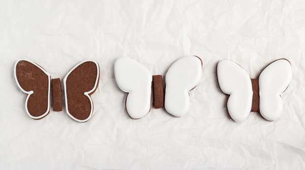 Simple butterfly cookies - cut out sugar cookies with royal icing from thebearfootbaker.com