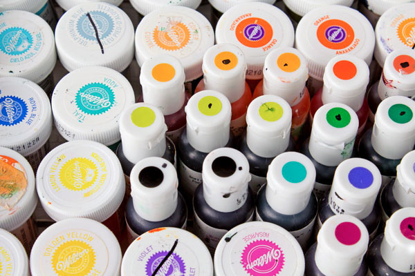 Food-Gel-Paste-New-Bottle-or-Open-Bottle-via-www.thebearfootbaker