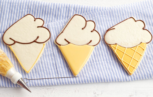Easy Ice Cream Cookies via thebearfootbaker.com
