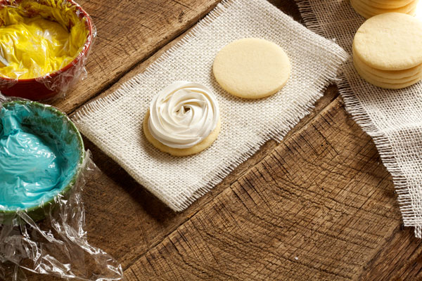 How to make Rose Swirl Cookies with www.thebearfootbaker.com