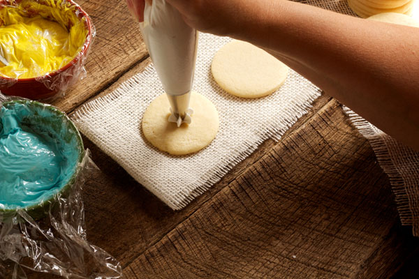 How to make Rose Swirl Cookies via www.thebearfootbaker.com