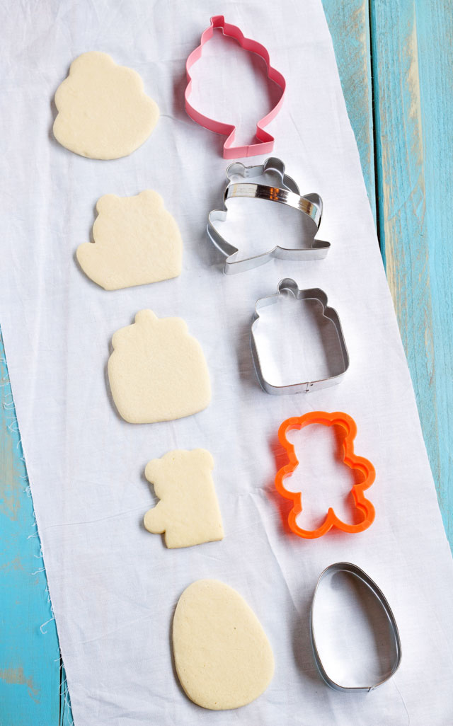 Shark Week Cookies -So Sharky via www.thebearfootbaker.com