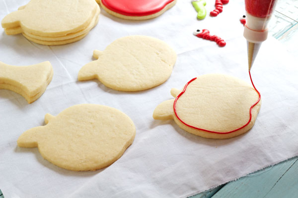 Simple Apple with Worm Cookies - Sugar Cookies Decorated with Royal Icing by www.thebearfootbaker.com