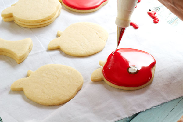 Simple Apple with Worm Cookies - Sugar Cookies Decorated with Royal Icing via www.thebearfootbaker.com