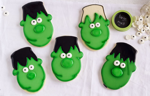 Easy Frankenstein Cookies for Halloween - Sugar cookies decorated with royal icing via thebearfootbaker.com