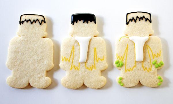 Easy Frankenstein Cookies thebearfootbaker.com