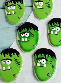 Easy Frankenstein Face Sugar Cookies Decorated with Royal Icing for Halloween www.thebearfootbaker.com