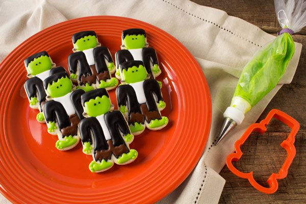 Frankenstein Cookies - Sugar Cookies Decorated with Royal Icing make Great Halloween Treats www.thebearfootbaker.com