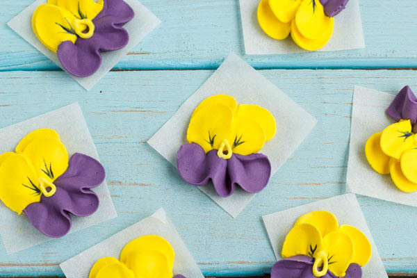 How to Make Royal Icing Pansies   The Bearfoot Baker