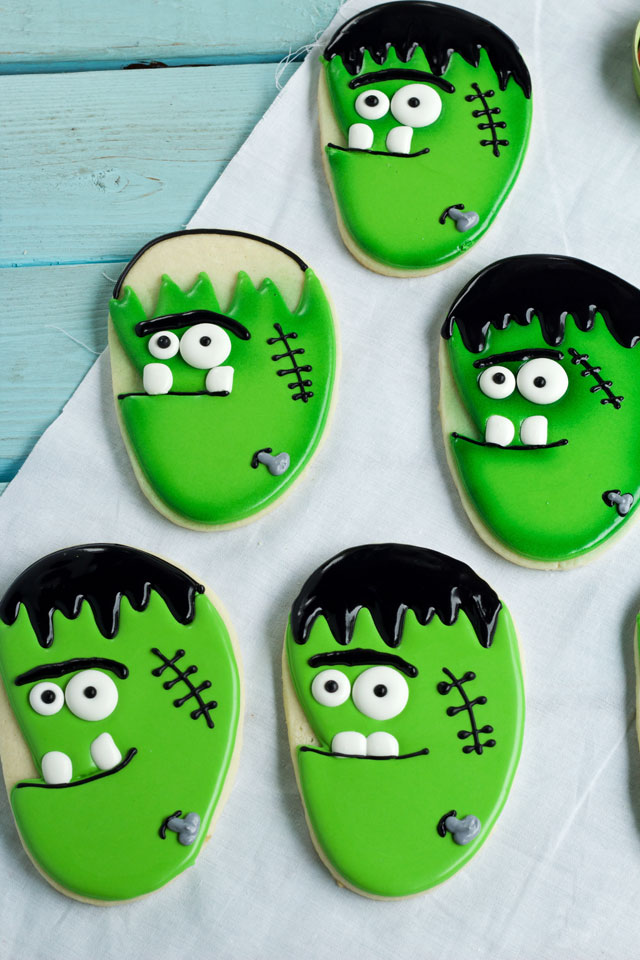 How to Make Simple Frankenstein Face Cookies via www.thebearfootbaker.com