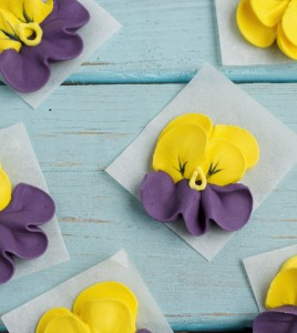 Icing Pansy and Free Flower Nail Template www.thebearfootbaker.com