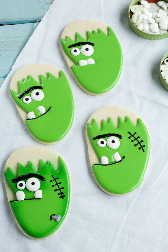 Simple Frankenstein Face Cookies - Sugar Cookies Decorated with Royal Icing thebearfoootbaker.com