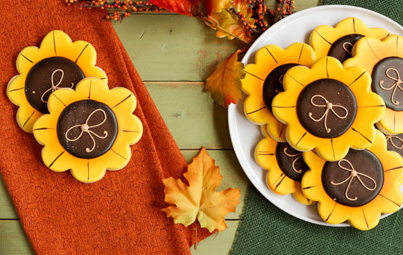 Simple Sunflower Cookies- Sugar Cookies Decorated with Royal Icing thebearfootbaker.com