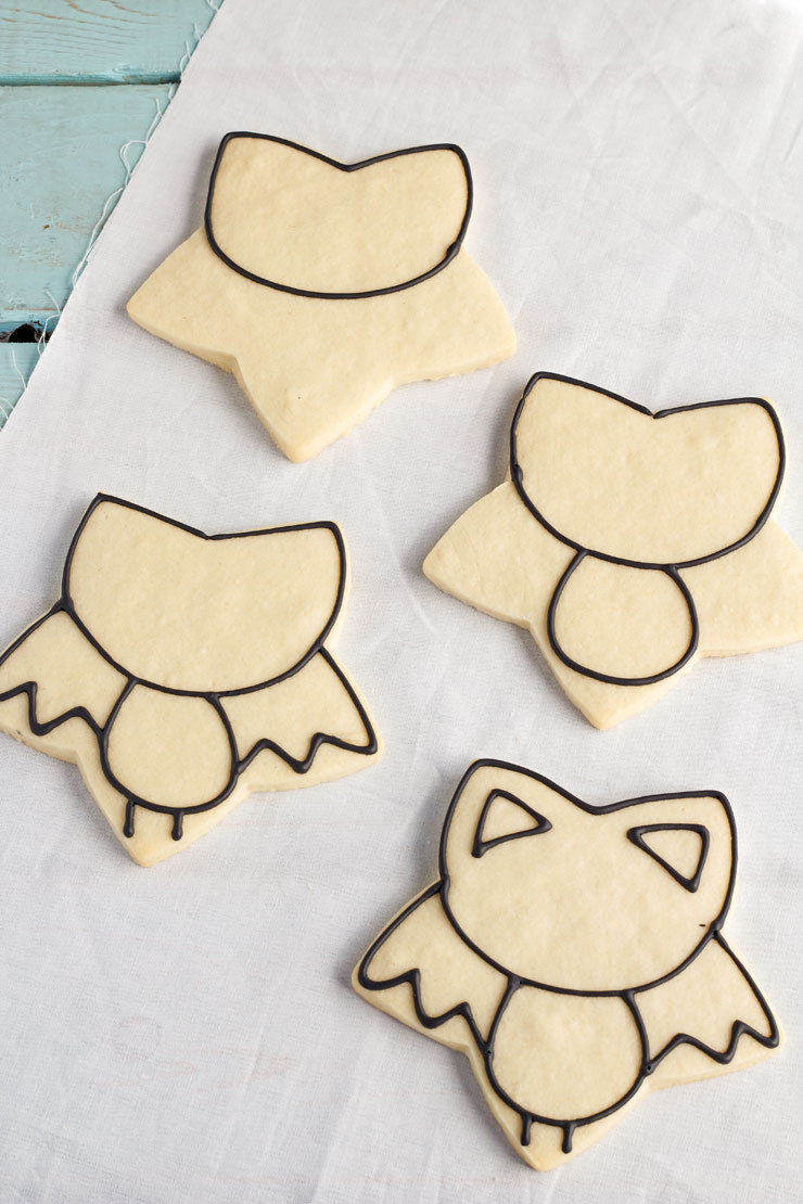 Easy Bat Cookies for Halloween- Girl bats by www.thebearfoootbaker.com
