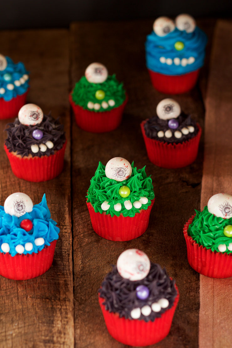 Monster Cupcakes for Halloween www.thebearfootbaker.com