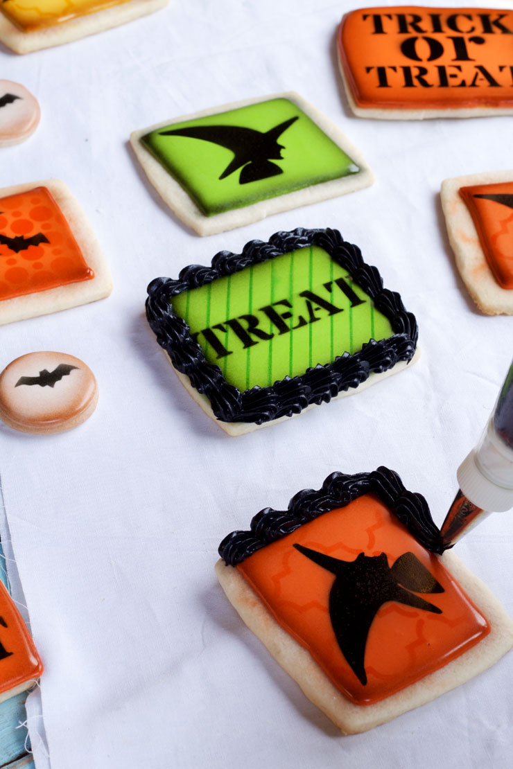 Simple Halloween Cookies via thebearfootbaker.com