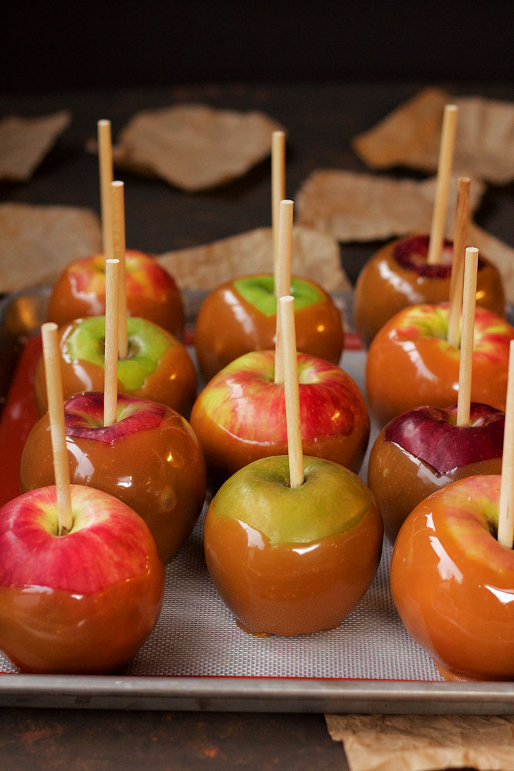 Chocolate Caramel Apples - Find out my secret for making the perfect apples every time. via www.thebearfootbaker.com