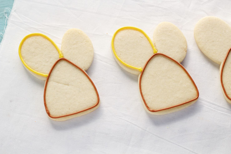 Easy Decorated Turkey Cookies made with a Cute Bunny Rabbit Cookie Cutter by www.thebearfootbaker.com