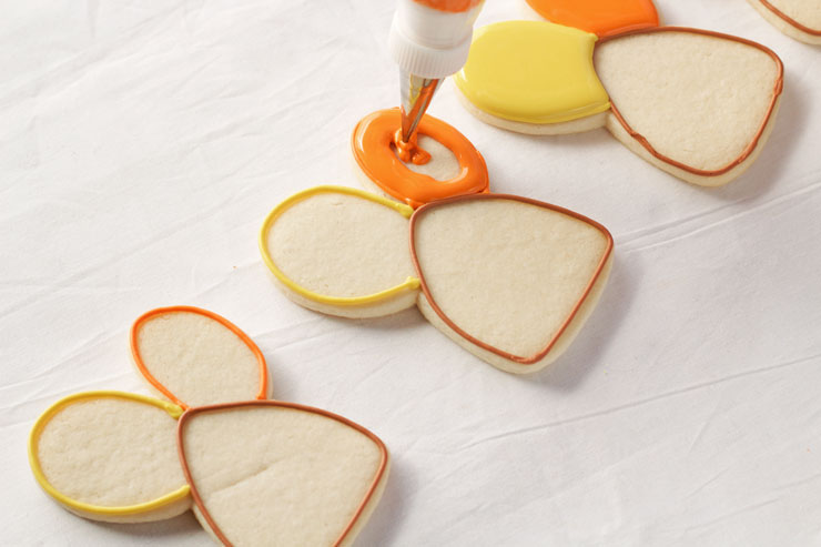 Easy Decorated Turkey Cookies made with a Cute Bunny Rabbit Cookie Cutter via www.thebearfootbaker.com