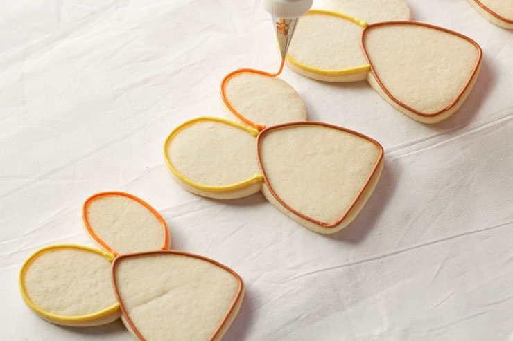 Easy Decorated Turkey Cookies made with a Cute Bunny Rabbit Cookie Cutter www.thebearfootbaker.com