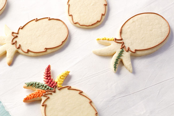 Easy Turkey Cookies are Sugar Cookies made with a Pineapple Cookie Cutter and Decorated with Royal Icing thebearfootbaker.com