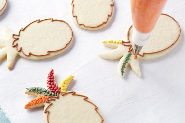 Easy Turkey Cookies are Sugar Cookies made with a Pineapple Cookie Cutter and Decorated with Royal Icing via www.thebearfootbaker.com