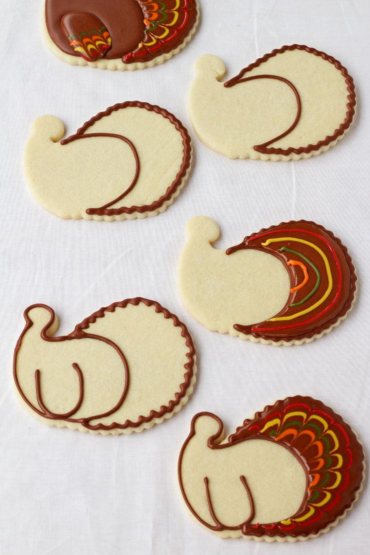 Pretty Turkey Cookies by thebearfootbaker.com