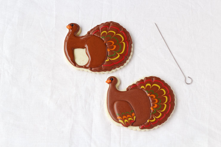 Pretty Turkey Cookies via thebearfootbaker.com