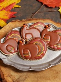 Pretty Turkey Cookies via www.thebearfootbaker.com