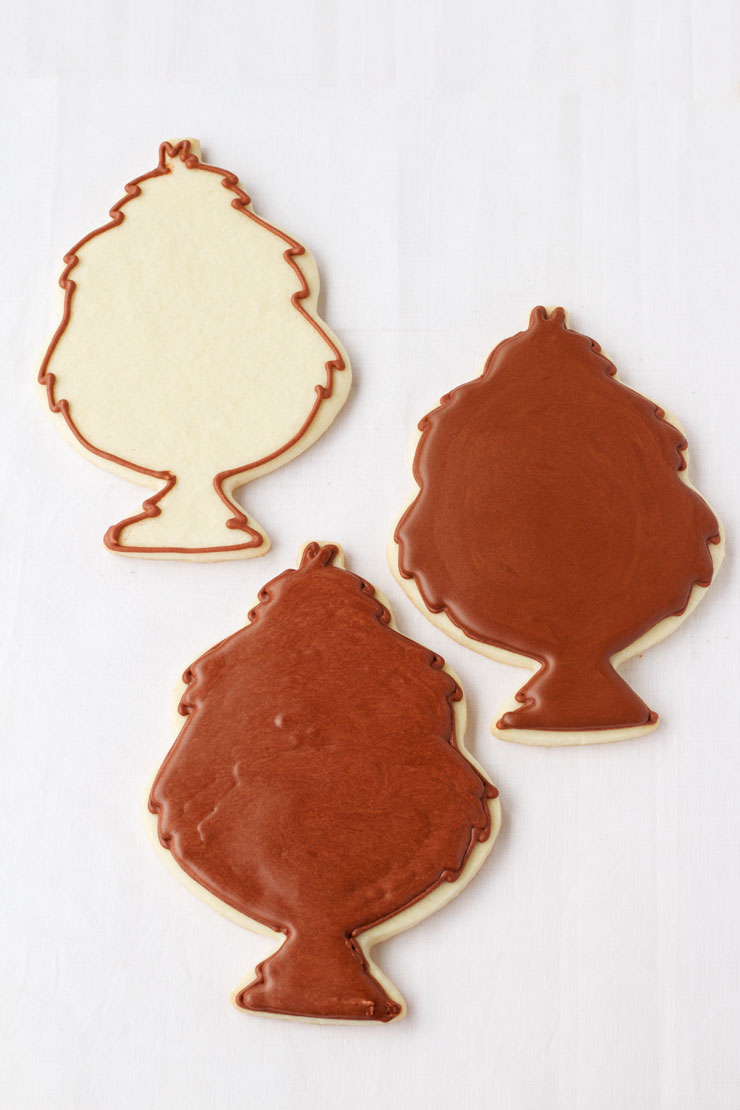 Simple Tom Turkey Cookies - Decorated Sugar Cookies with Royal Icing thebearfootbaker.com
