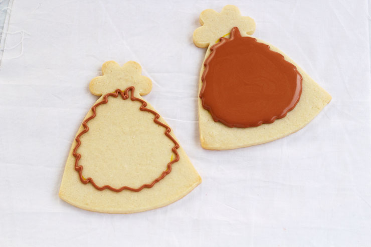 Simple Turkey Cookies - Sugar Cookies Decorated with Royal Icing by thebearfootbaker.com