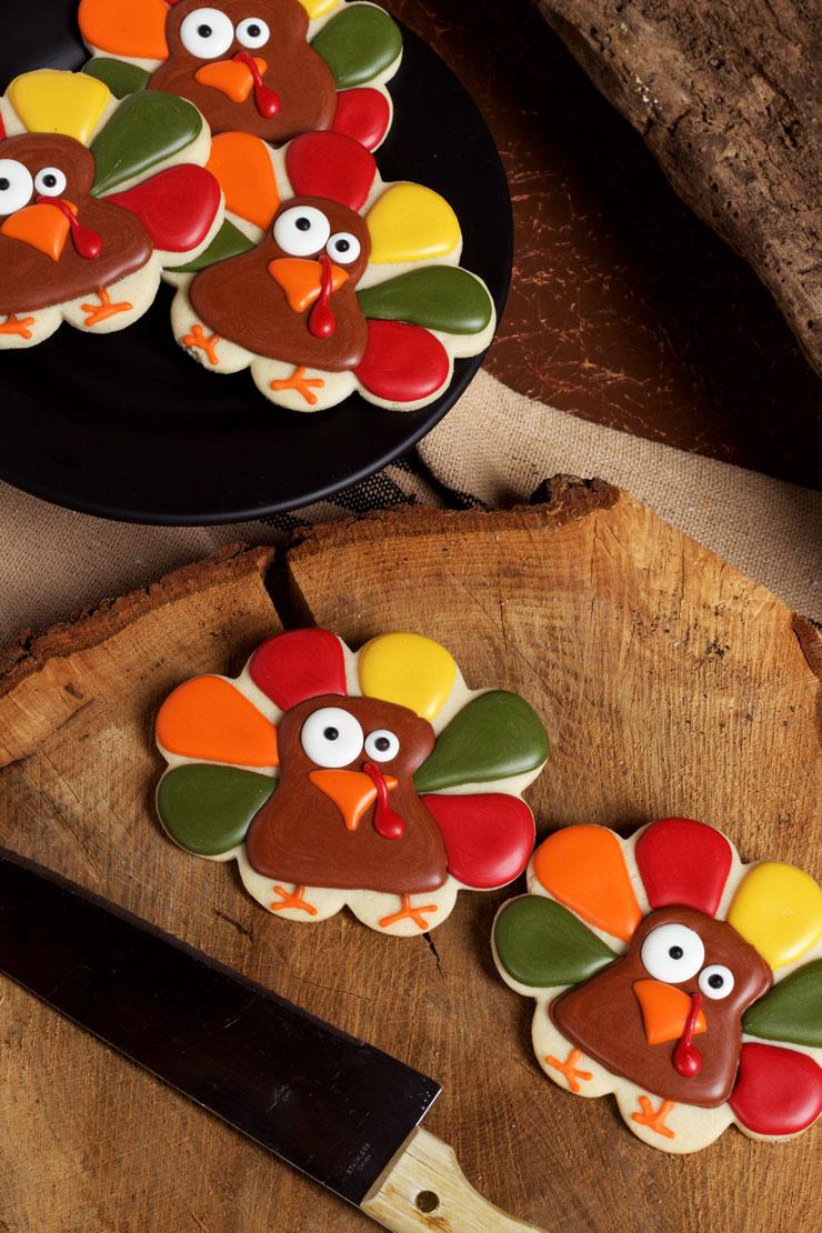 Super Simple Turkey Cookies via thebearfootbaker.com