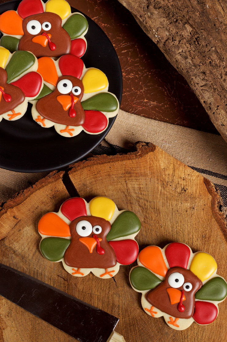 Super Simple Turkey Cookies via www.thebearfootbaker.com