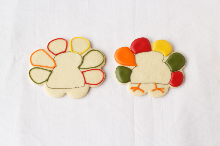 Super Simple Turkey Cookies with www.thebearfootbaker.com