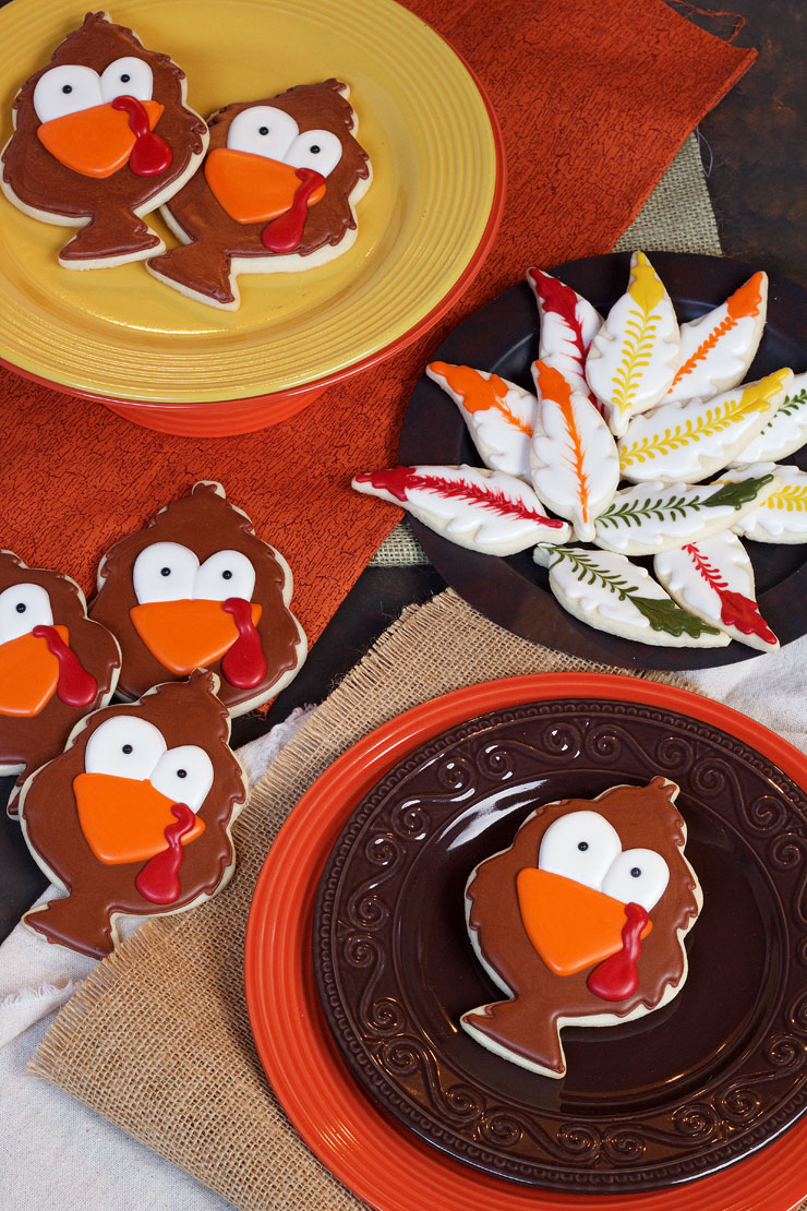 Tom Turkey Cookies - Easy Sugar Cookies decorated with Royal Icing www.thebearfootbaker.com